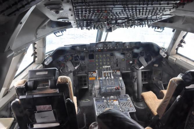 Boeing 747-200 D-ABYM 5