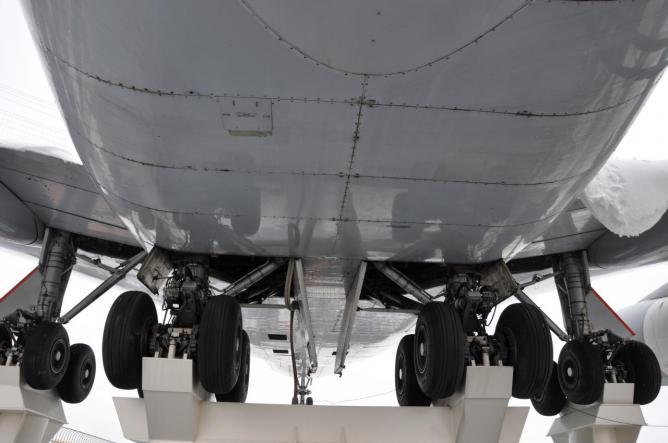 Boeing 747-200 D-ABYM 9